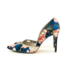 Louise et Cie Floral Pointed Toe Heel Pump | 10